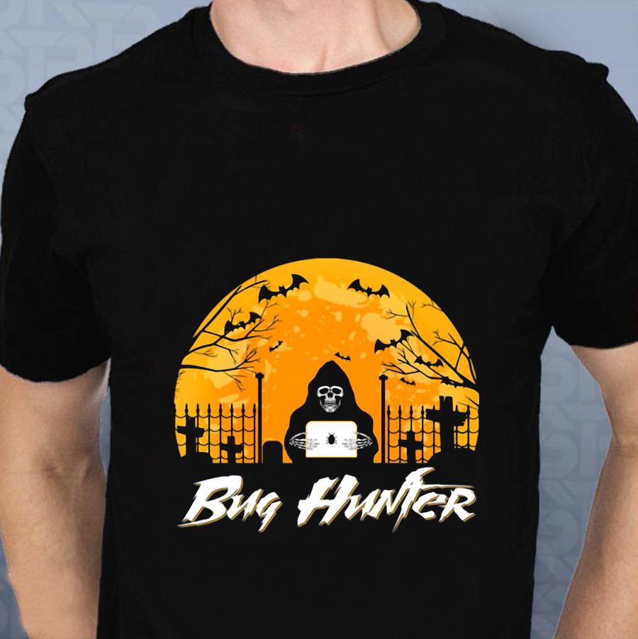 Bug hunter blood moon halloween t-shirt